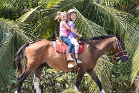 cute-girls-on-horse